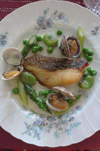 Filet de poisson poêlé aux legumes de printemps